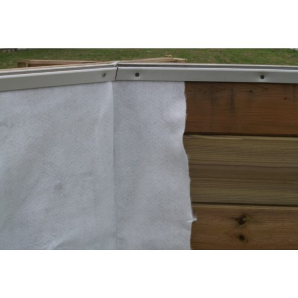 Medence falvédő geotextília fehér 1,35x11,80m 170gr/m2