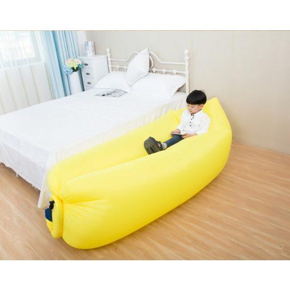 Levegővel tölthető relax ágy sárga